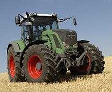 Аграрии Львовщины получили 3 немецких трактора