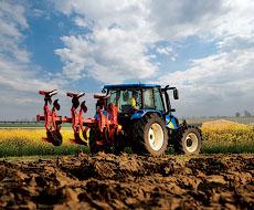 За 10 місяців агровиробники придбали на 17% більше техніки