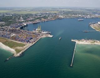 Чорноморський морський порт за 11 місяців 2016 року збільшив відвантаження зерна на 57,6%
