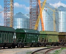 З початку року «Укрзалізниця» збільшила перевезення зерна на 28%