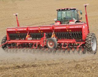 «Ельворті» розширила лінійку техніки для точного землеробства