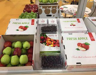 Українські ягоди і фрукти представлені на впливовій міжнародній виставці у Гонконзі