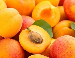 Вартість абрикосів за тиждень впала в 1,5 раза