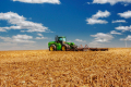 «Терезине» придбало нові трактори і зернозбиральний комбайн