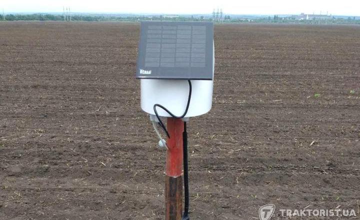 HarvEast встановив на полях  метеостанцію і датчики вологості ґрунту