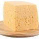 Білорусь шукає в Україні запасний аеродром для експорту своїх сирів