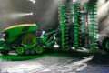 John Deere показав концепт електричного безпілотного трактора Joker