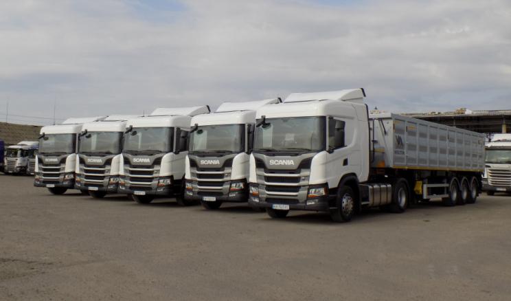 «Нива Переяславщини» до кукурудзяних жнив придбала нові вантажівки