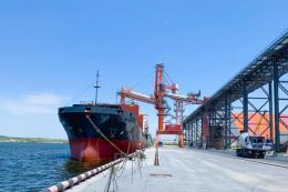 Термінал EVT встановив рекорд швидкості навантаження зерна на судно