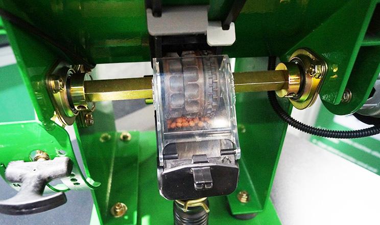 Новий висіваючий апарат для механічних сівалок Great Plains
