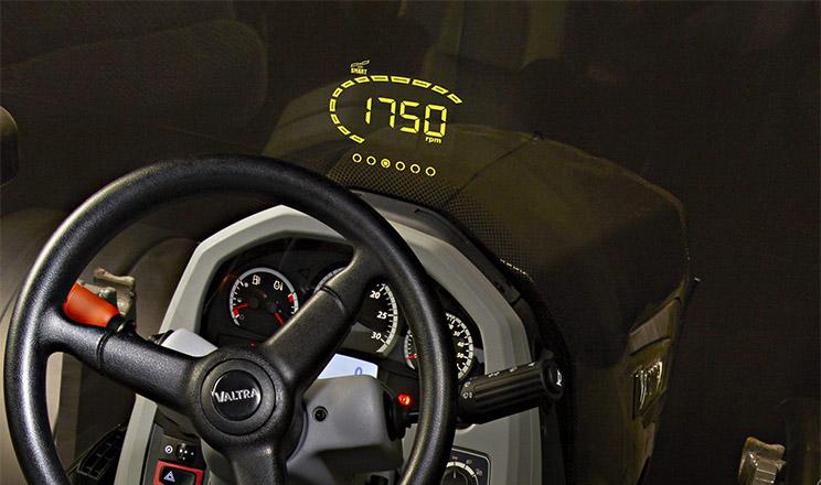 У тракторів Valtra з'явилась прозора панель приладів