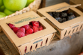 Економіст розповів як емоції та дрібна упаковка впливають на продаж ягід