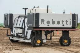 Фермерам надаватимуть послуги роботів у догляді за рослинами