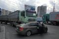 В Миколаєві Volkswagen Polo потрапив під зерновоз