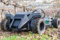 Модульний робот здатен моніторити, доглядати за садом та збирати плоди