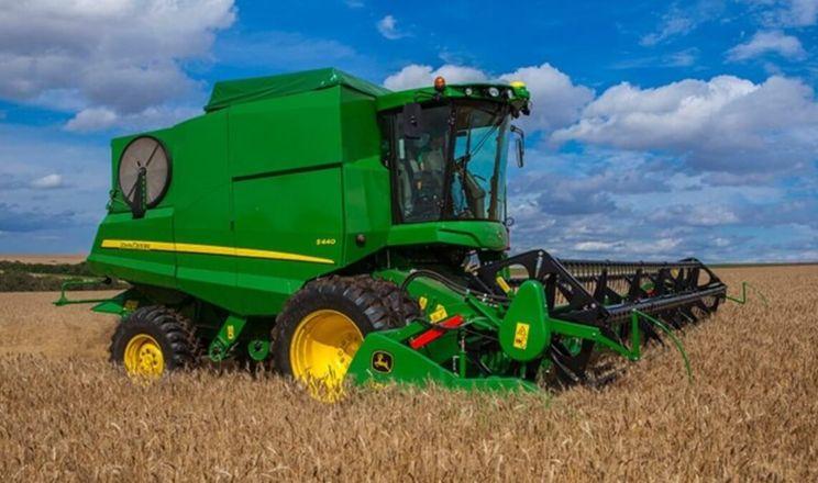 John Deere презентував новий зернозбиральний комбайн для малих і середніх фермерів