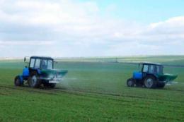 На ефективність застосування добрив впливають географічні зміни у ґрунті та кліматичних умовах
