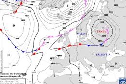 Невеликі опади на захід та північ України принесе атмосферний фронт циклону Tanja