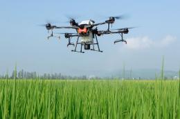 Новий дрон DJI Agras T20 здатен обробити 12 га/год