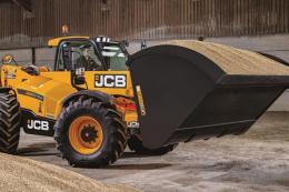 JCB додав потужності та опцій трансмісії навантажувачам LoadAll