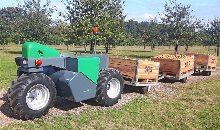 Електричний триколісний роботрактор може косити, прополювати та обприскувати