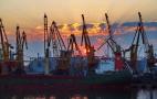 В чотирьох українських портах обмежено операції з зерновими