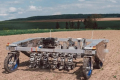 Роботи-прополювачі витісняють гербіциди