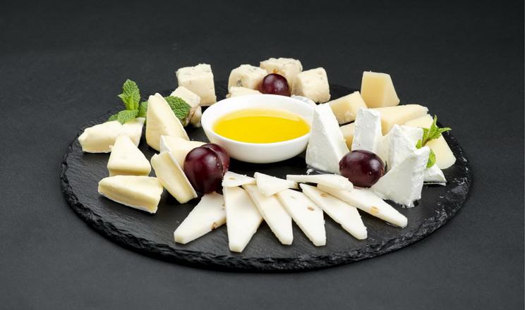 За два місяці Україна ввезла на 13% більше імпортних сирів