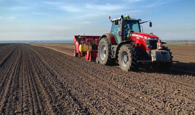 «Контінентал Фармерз Груп» висаджує картоплю трьома способами