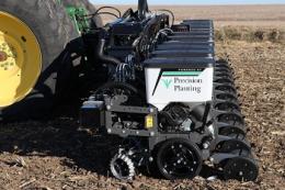 Precision Planting забезпечує рівномірне розміщення насіння, - досвід