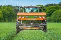 AgriLab Farming диференційовано вносить добрива розкидачем від Amazone