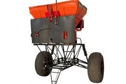 Самохідний розкидач мінеральних добрив «Капелька-У» має кліренс до 5 м