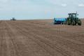 «Ілліч-Агро Донбас» завершив посівну й радіє опадам