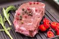 В Україні створили перший рослинний мармуровий стейк