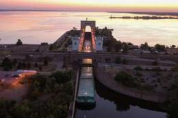 Розпочалися тестові шлюзування караванів з ячменем на Дніпровському каскаді