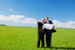 Близько половини нотаріусів спрямовують продавців землі до експертних оцінщиків, - думка